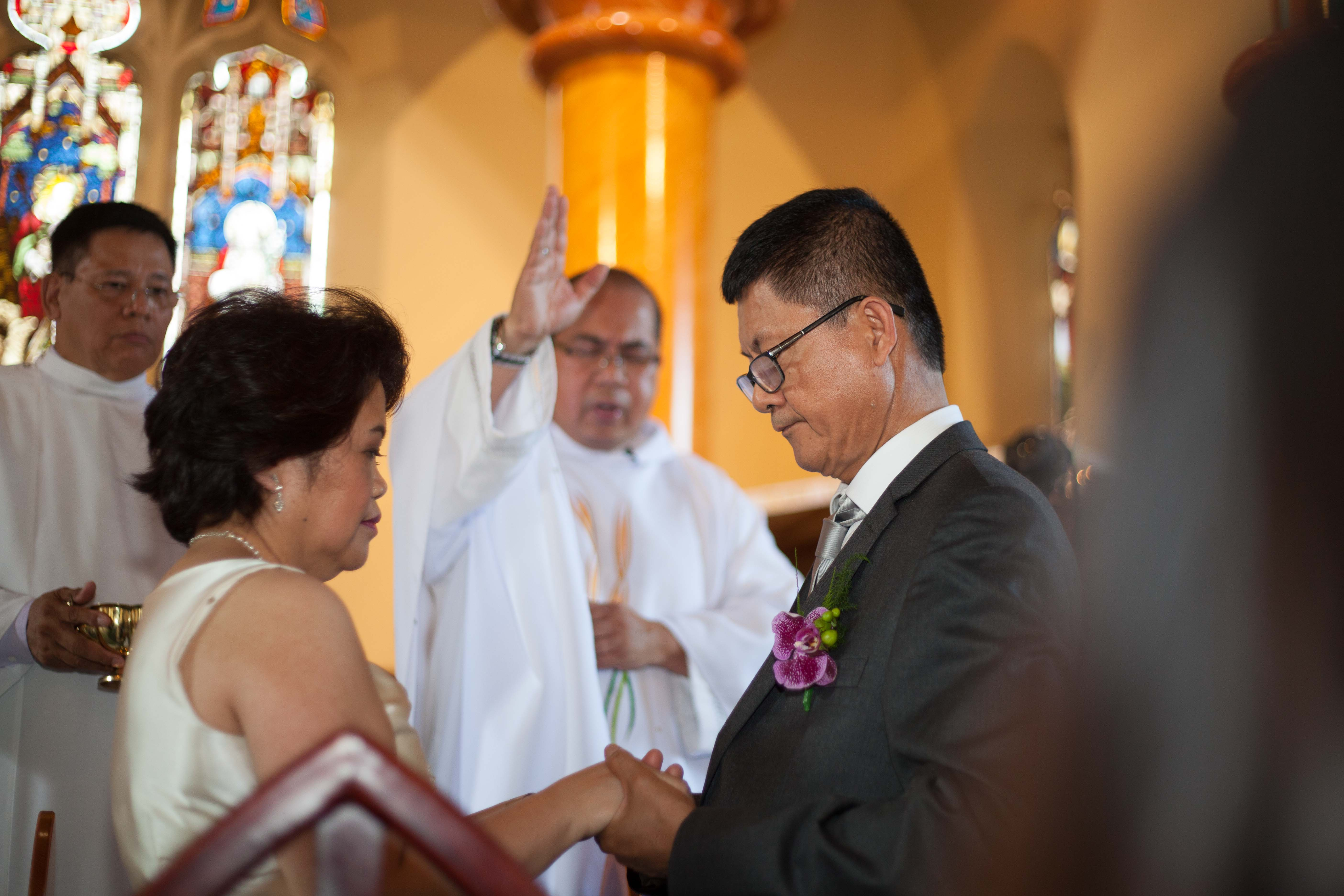 Sydney australian fillipino wedding couple in church